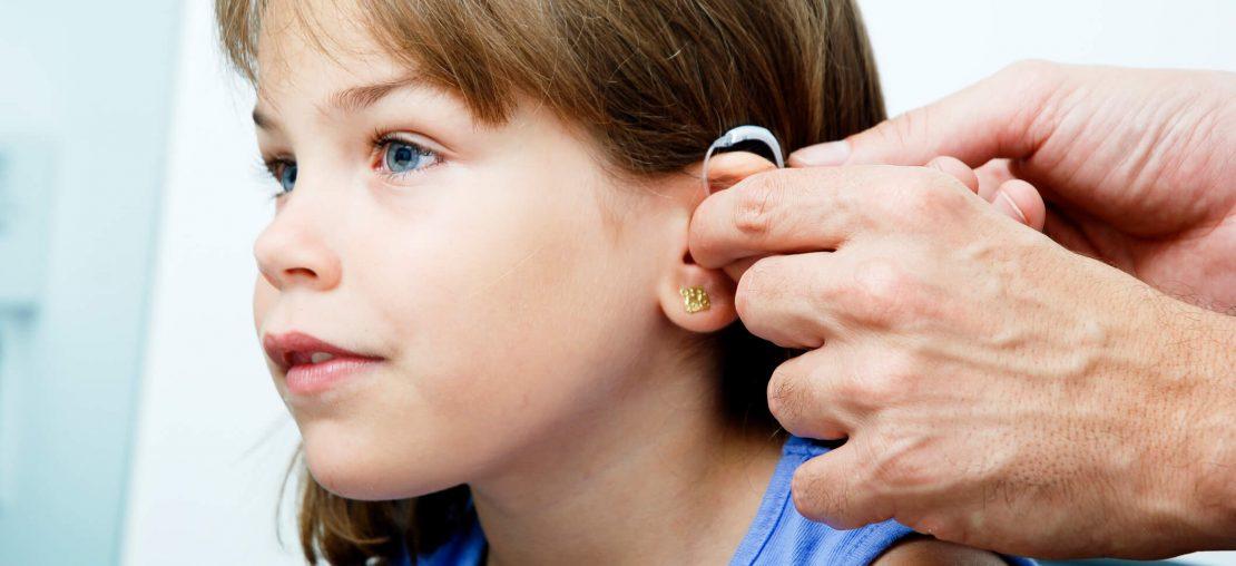 Descubra os 5 principais cuidados com aparelhos auditivos